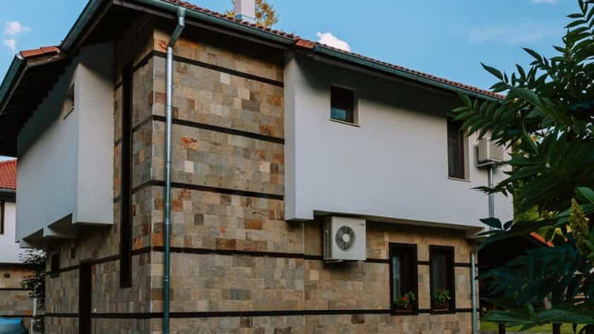 Хотелски комплекс в село Бели осъм – Ваканционно селище Острова